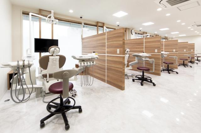 患者様からも「清潔感があってキレイな医院ですね」とよく言われ好評です。設計・デザインの段階で、何度も打ち合わせの場を設定してもらえましたし、ギリギリまで変更に対応いただけたので本当に良かったです。